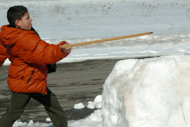 Snow Snake: Traditional Winter Game of the Haudenosaunee